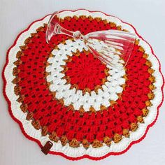Filet Crochet, Crochet Doilies, Knit Crochet, Crochet Hats, Pot Holders, Table Settings, Blanket, Knitting, Floral