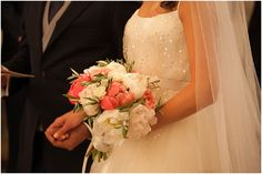 Marion and Jean-Baptiste, mariage en Provence //coral flowers