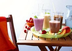 Flat Belly Diet Smoothie Recipes: These 10 delicious fruit smoothies for weight loss will help you shed belly fat and flatten your stomach.