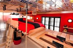 suspended bed for teen room by kidtropolis I love the walls and license plates