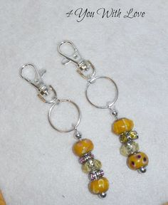make keychains with beads   easy+peasy+beaded+keychain+5.jpg