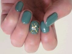 Lucky nail color for Cancer in 2015 is GREEN!