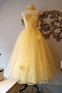 50s Dress / 1950s Party Dress / 50s Wedding Dress / Vintage 1950s Yellow Tulle Strapless Dress Size S.  via Etsy.