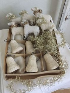 ideas about Antique Christmas Antique Christmas Ornaments, Felt Christmas Decorations, Noel Christmas, Primitive Christmas, Rustic Christmas, White Christmas, Christmas Crafts, Primitive Crafts, Outdoor Christmas