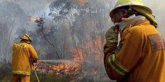 Les incendies en Australie vus depuis un hélicoptère des pompiers - Les vents et la température continuent d'attiser les flammes qui ravagent l'Australie. - Le Monde