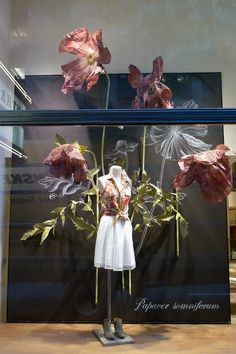 #RockefellerCenterNewYork #Anthropologie Window Display Shop | Store | Retail | Window | Display | Visual Merchandising