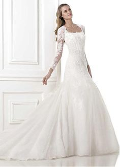 DELICATE TULLE ORGANZA A-LINE QUEEN ANNE NECKLINE NATURAL WAISTLINE WEDDING DRESS IVORY WHITE LACE BRIDAL GOWN