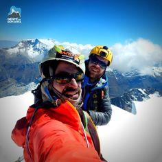 Nossos guias no Cume do Tocllaraju (6032m) registrado no último sábado. Agora estão em Huaraz descansando e esperando por novas oportunidades de escaladas.  #GentedeMontanha #AltaMontanha #Montanhismo #Mountains #SpotBR #GarminBrasil #Atletasgarmin #ProntoParaAventura #DeuterBrasil #HardAdventure #ThuleTeam #Andes #Andes6k #ExpediçãoAndes #Peru #CordilleraBlanca