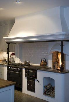 Woodcooker / vedspis in modern kitchen. Farmhouse Kitchen Decor, Country Kitchen, Farmhouse Style, Kitchen Modern, Farmhouse Design, Rustic Design, Country Style, Kitchen Ideas, Swedish Kitchen