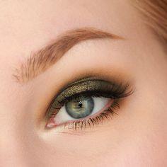 Makeup Geek Duochrome Eyeshadows in Ritzy and Typhoon + Makeup Geek Eyeshadow in Dirty Martini and Preppy. Look by: Rose Herd