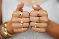 Вам знакомо понятие «ювелирного этикета»? Научитесь и вы правильно подбирать кольца! - Полезно Знать