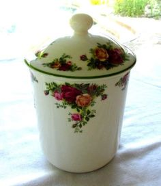 ROYAL ALBERT OLD COUNTRY ROSES COOKIE JAR / CANISTER WITH TOP