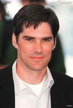Thomas Ellis Gibson est un acteur et réalisateur américain, né le 3 juillet 1962 à Charleston, Caroline du Sud (États-Unis).