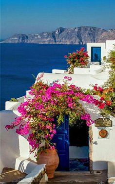 "Photo ""Reception hotel Oia Santorini "" by Frank Hazebroek Vacation Places, Places To Travel, Places To Go, Oia Santorini, Santorini Island, Wonderful Places, Beautiful Places, Hotel Reception, Bougainvillea"