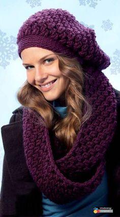 Free Crochet Loop Scarf and Crochet Beanie Pattern Crochet Beanie Pattern, Crochet Cap, Crochet Scarves, Crochet Shawl, Crochet Clothes, Crochet Patterns, Free Crochet, Moda Emo, Crochet Woman