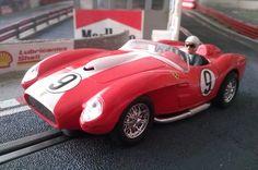 #Ferrari 250 TR 1957 de Ninco. Un kit que una vez montado tiene este excelente aspecto. Y además un buen comportamiento en pista.