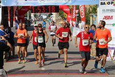 Llegada en su debut de media maratón de Laura (Bajo Pas 2014)