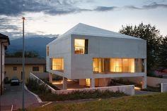 House on six pillars, FL-Schaan | Bearth & Deplazes