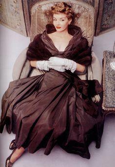 Majestically gorgeous... #Vogue #1948 #vintage #fashion #clothes #1940s