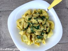 tortellini s cuketou Tortellini, Sprouts, Zucchini, Food And Drink, Vegetables, Fit, Recipes, Shape