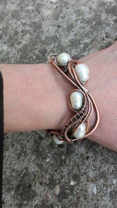 Wire wrapped bracelet with pearls #wire #wirewrapped #wirejewelry #jewelry #