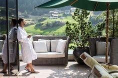 Terrassenbereich im Sky Spa Spa, Outdoor Furniture, Outdoor Decor, Austria, Home Decor, Terrace, Last Minute Vacation, Ski Trips, Travel Destinations