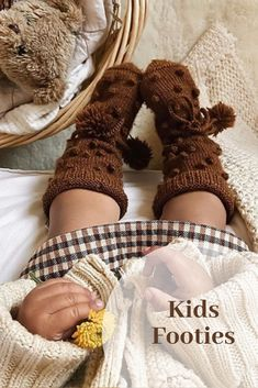 Shirley Bredal soft kids footies in beautiful colour Caramel. There is also a tie string around the ankle to make sure they cannot be kicked off. Available in different colours! Photo by