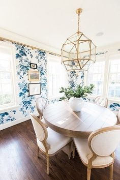 Hang Art - How To Decorate With Bold Wallpaper - Photos