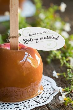 After the cider cocktail hour carry the theme to the favor and pass out caramel apples. After the cider cocktail hour carry the theme to the favor and pass out caramel apples. Apple Wedding Favors, Wedding Favor Table, Barn Wedding Favors, Wedding Invitations, Halloween Wedding Favors, Rustic Wedding, Our Wedding, Wedding Gifts, Dream Wedding