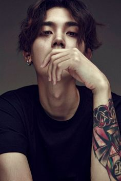 Image about kpop in Ulzzang😊🇰🇷 by Haitian_Girl Cute Asian Guys, Cute Korean Boys, Asian Boys, Cute Guys, Hot Asian Men, Korean Male Models, Korean Boys Ulzzang, Korean Men, Tattoo Girls