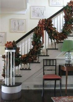 Magnolia leaves garland by Jahree'