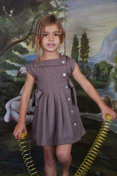 Платье девочка...Платье с шнурком...Платье viyela...Классический стиль одежды...Ретро платье...Размер 4.6