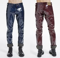 Navy blue and burgundy patent vinyl men's pants with cuffed hem. Latex Men, Pvc Trousers, Men's Pants, Modern Mens Fashion, High Fashion, Men's Fashion, Vinyl Clothing, Streetwear Online, Moda Masculina