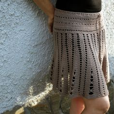 Crochet - skirt, pay for foreign pattern, try to figure out techniques Crochet Bodycon Dresses, Black Crochet Dress, Crochet Skirts, Crochet Cardigan, Knit Skirt, Crochet Clothes, Learn To Crochet, Diy Crochet, Crochet Top