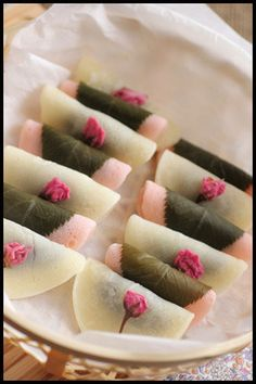 Sakura Mochi 桜餅-you can eat the leaves as well