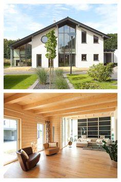 Modernes #Landhaus mit Carport, errichtet in der bewährten Elementarbauweise aus feinjährigem Holz. Ungewöhnlich ist auch die natürliche SolarEis-Heizung dieses Energieeffizienz-Hauses: Sie lagert im Sommer überschüssige Energie in einem unterirdischen Speicher in Wasser ein. #stommelhaus #musterhaus