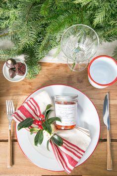 A Charming Christmas Brunch / Holiday Entertaining / Brunch Entertaining / Brunch Recipes / Christmas Party Idea / Festive Tabletop