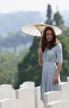 asia+kate+parasol=gorgeous!