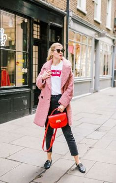 How to wear pink coat outfit ideas 52 Ideas Winter Coat Outfits, Winter Outfits For Work, Pink Teddy Coat, Uni Outfits, Tennis Shoes Outfit, Winter Fashion, How To Wear, Outfit Ideas, Canadian Winter