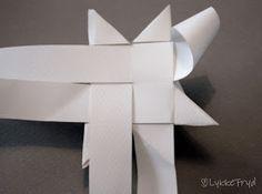 Lykkefryd: {Gjør det selv} Papirstjerner Diy Valentine, Diy And Crafts, Ornament, Etsy, Art, Fimo, Art Background, Decoration, Kunst