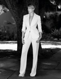 Robin Wright Talks Family and House of Cards - Town & Country Clare Underwood, Claire Underwood Style, White Suits, Work Attire, Carolina Herrera, Costume, Work Fashion, Suits For Women, Marie