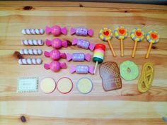 Houten Speelgoed--Keuken--Winkeltje: Snoep en Koekjes.