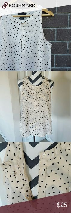 """Cynthia Rowley Sleeveless Top Gently loved top, worn once and in excellent condition No stains or damage About 20"""" across underarm to underarm About 25"""" top of shoulder to hem in front About 27"""" top of shoulder to hem in back No trades, holds, or Paypal Cynthia Rowley Tops Blouses"""