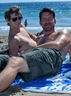 fmforums > Robbie Kay & Sean Maguire shirtless on holiday Robbie Rogers, Robbie Kay Peter Pan, Sean Maguire, Heroes Reborn, Ouat Cast, The Dark One, Zachary Levi, Man Photo, Attractive Men