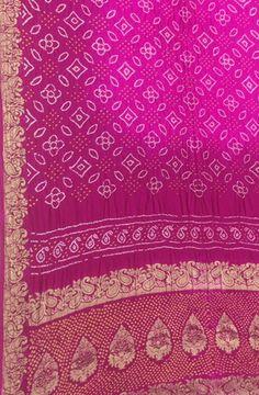 Pink Hand Bhandej Banarasi Bandhani Gajji Silk Saree #bandhanisaree#silksaree# Bandhini Saree, Buy Sarees Online, Kaftans, Fabric Patterns, Unique Art, Silk Sarees, Pattern Design, Bohemian Rug, Tie Dye