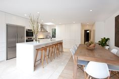 The design hunter project - kitchen dining Country House Interior, Kitchen Interior, New Kitchen, Kitchen Dining, Dining Room, Kitchen Ideas, Slow Living, Decoration, Dining Bench