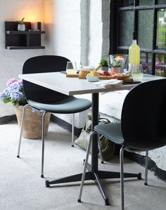 RBM Noor 4-leg makes lean and lightweight look easy. As a result, it's the most minimalistic in the Noor series. Timeless Scandinavian design is reflected in its simplicity and functionality - making it our ideal crossover model. Stunning outdoor restaurant in pastel colors. The chairs come in multiple colours and combinations. Click to discover more! #luxury #restaurantdesign #interiordesignideas #restaurantfurniture #flokk #tabledesign #minimaldesign #archidesign
