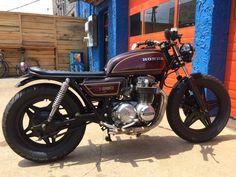 Honda CB650. Gorgeous! Spotted Barista Parlor in Nashville, TN.  Good idea for my bike, minimal seat, black painted wheels, drag bars.