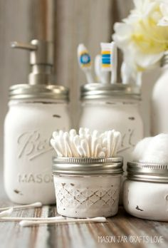 mason-jar-crafts-painted-distressed-bathroom-organizer-soap-dispenser-toothbrush-holder 2 (2 of 3) 2