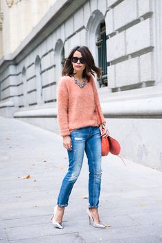 The Essential Pieces and Looks for Fall- crew neck sweater+ripped jeans+pums+bib necklace